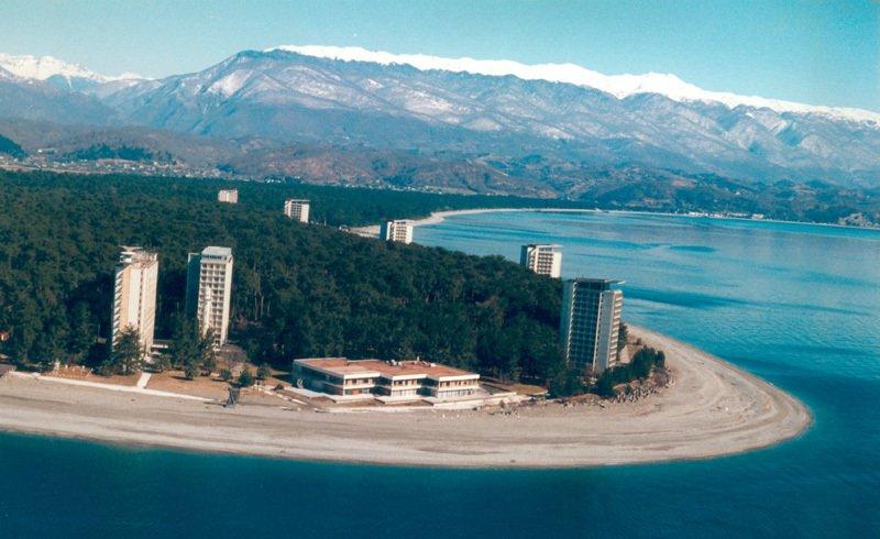 с 1 апреля Абхазия ввела визовый режим с большинством стран мира