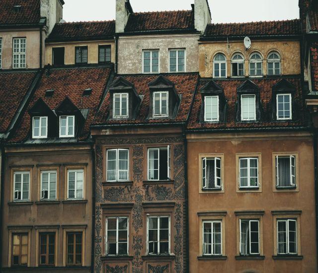 Жительница Оренбурга прописала в своей квартире 133 нелегала