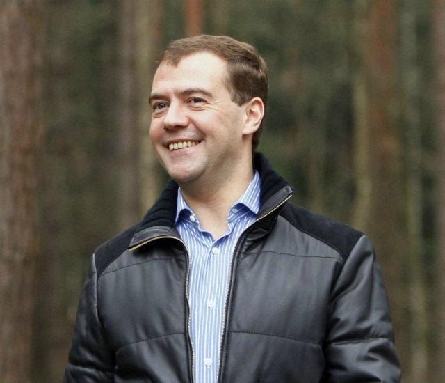 Медведев опроверг возможность введения налога на малодетность