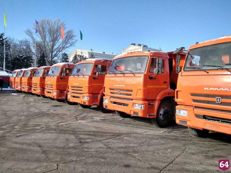 Саратов получил 50 единиц новой коммунальной техники
