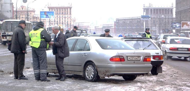 ГИБДД начала незаконно штрафовать водителей за отсутствие светоотражающих жилетов