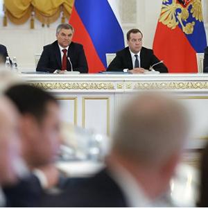 Путин отклонил идею оценки работы губернаторов по видеозаписям