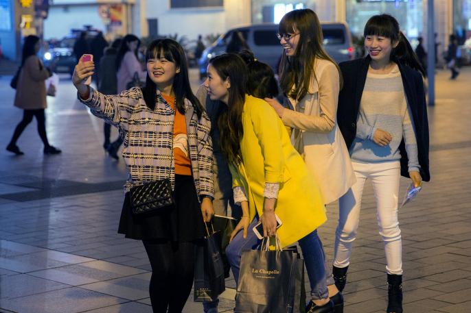 Уральцев вербуют на работу в Китай. Отбирают только симпатичных