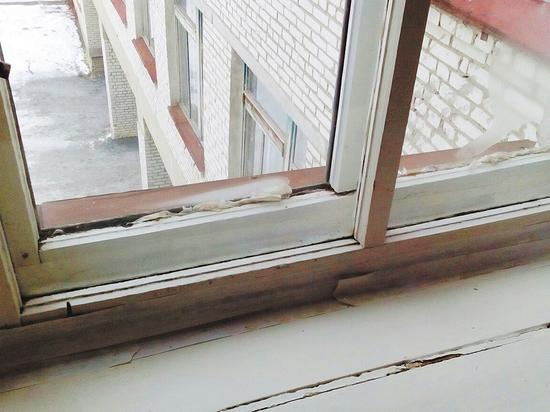 В каждой второй российской школе — грязь, плесень на стенах и текущие крыши