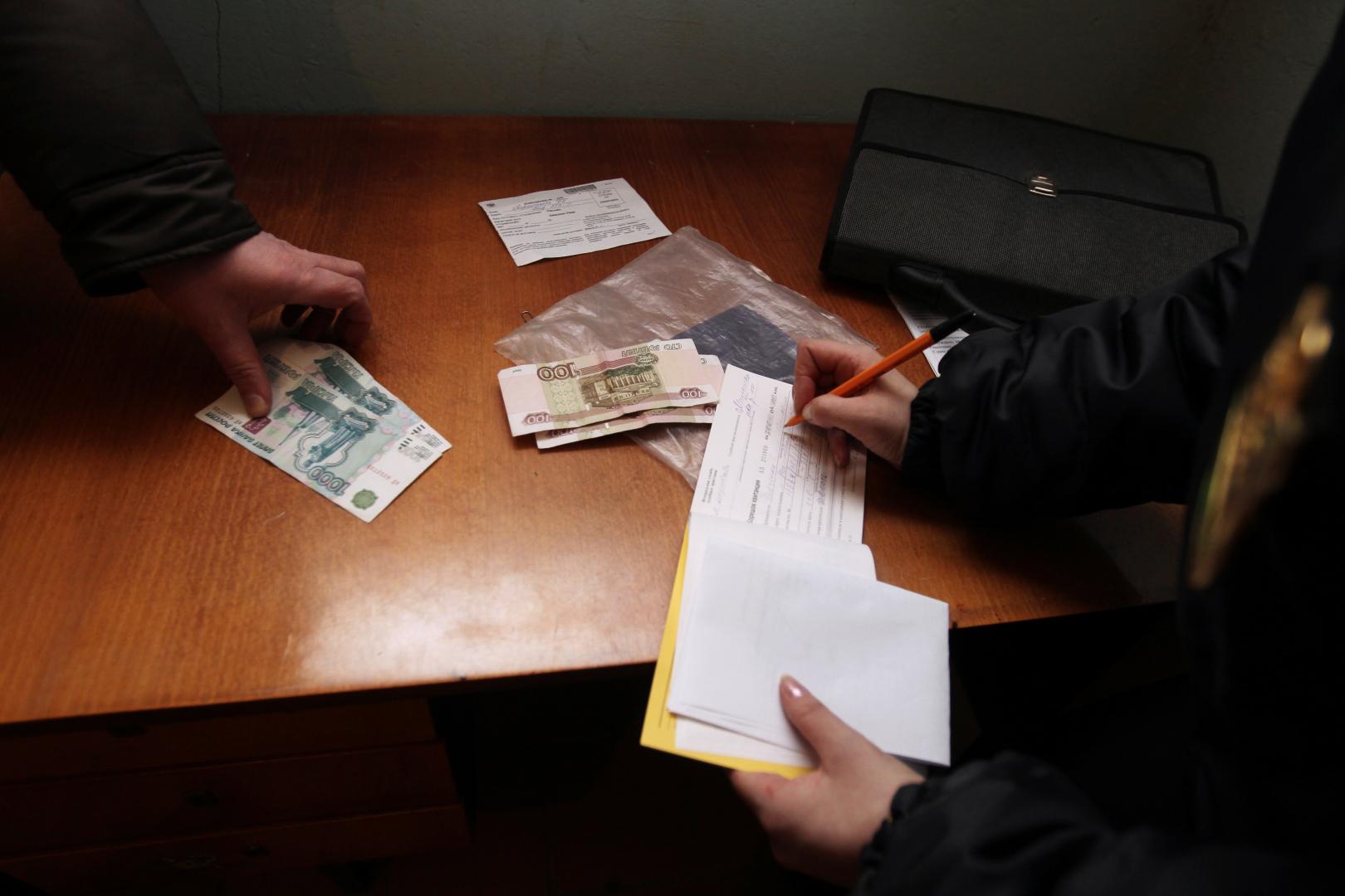 Как договориться с судебными приставами выплачивать долг частями?