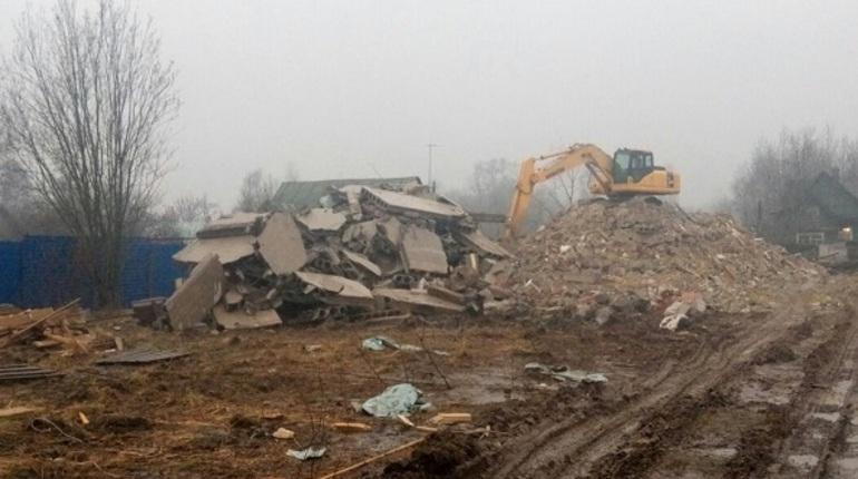 В Колпино снесли многоквартирный дом