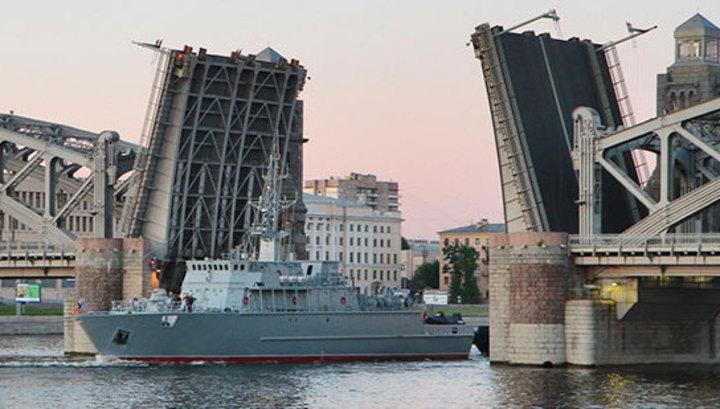 Россия спускает на воду крупнейший в мире стеклопластиковый боевой корабль