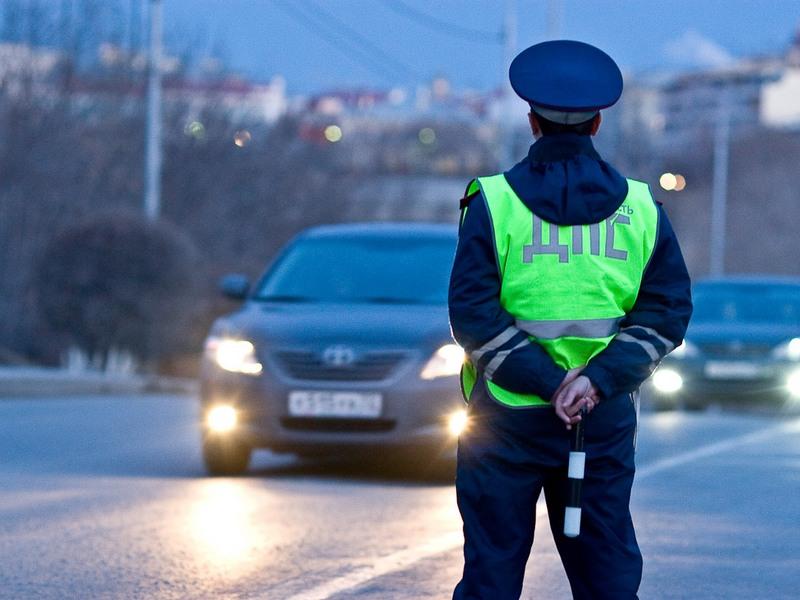 Когда после пересечения сплошной водитель сохранит права?