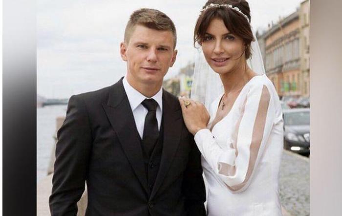Тест ДНК вместо подарков. Экс-супруг Алисы Аршавиной сомневается в отцовстве их детей Источник:...