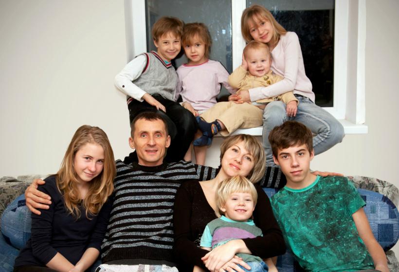 В Башкортостане многодетным семьям выплатят по 600 тысяч рублей