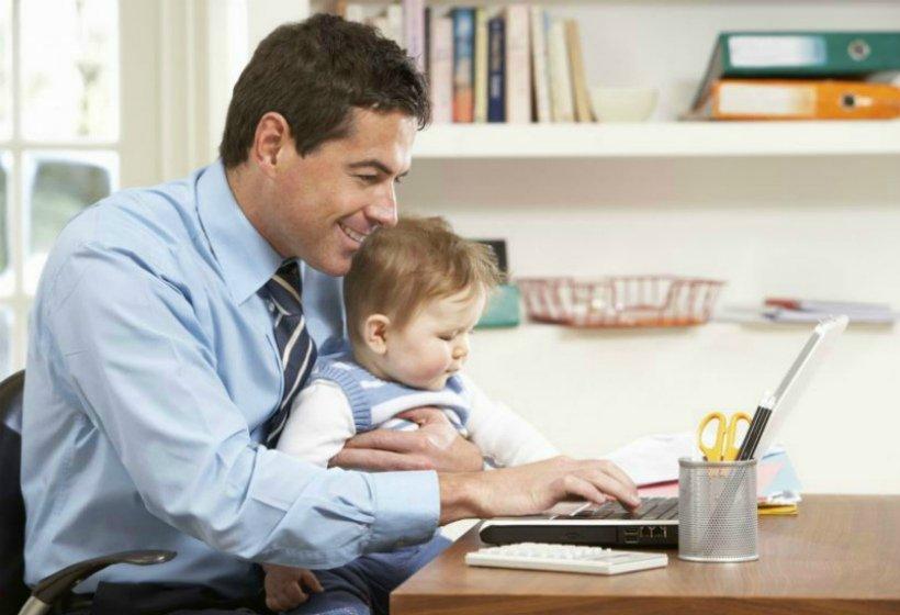 Если отец самовольно ушел в отпуск по уходу за ребенком, его могут уволить за прогул