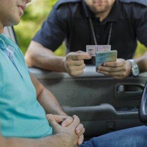 В России должникам запретят сдавать на водительские права
