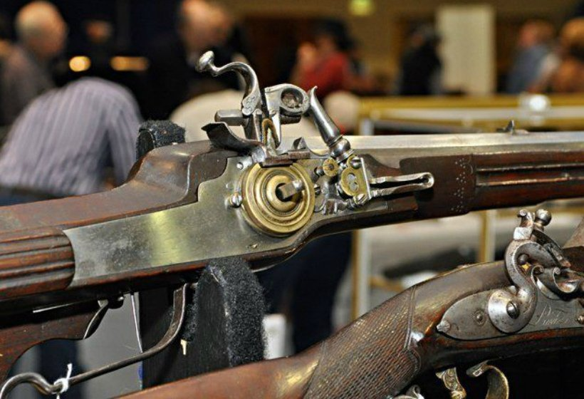 Проблемы оборота антикварного оружия в России – что нужно знать?