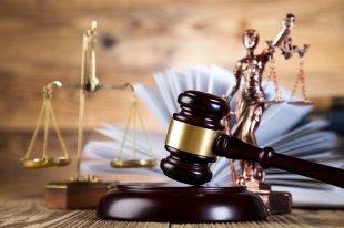 КС РФ уточнил обязанности работодателя при ликвидации предприятия