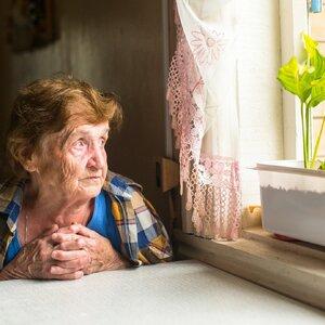 Пенсионерам запретят распоряжаться своим жильем?