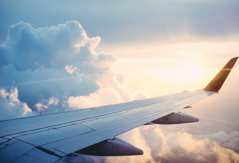 Пассажир рейса Сургут - Москва потребовал направить самолет в Афганистан