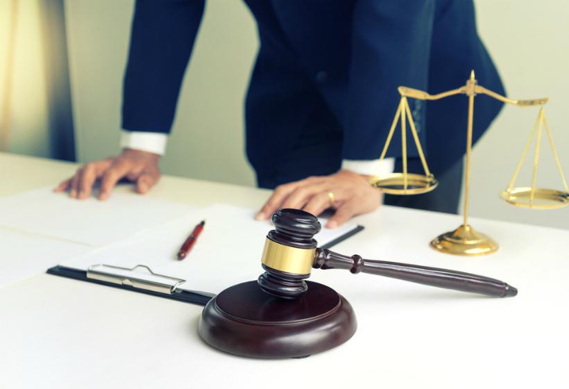 Суд оштрафовал недовольного низкой зарплатой россиянина