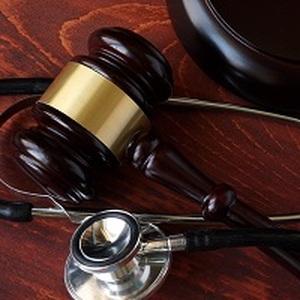 Роддом заплатит компенсацию морального вреда и потребительский штраф за заражение роженицы гепатитом