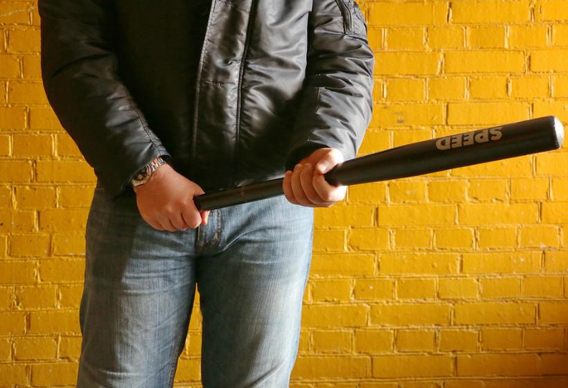 Неизвестный избил битой мэра города Иваново