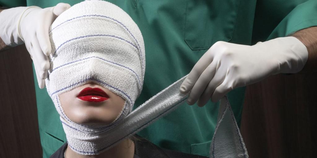 Как убивает пластическая хирургия....