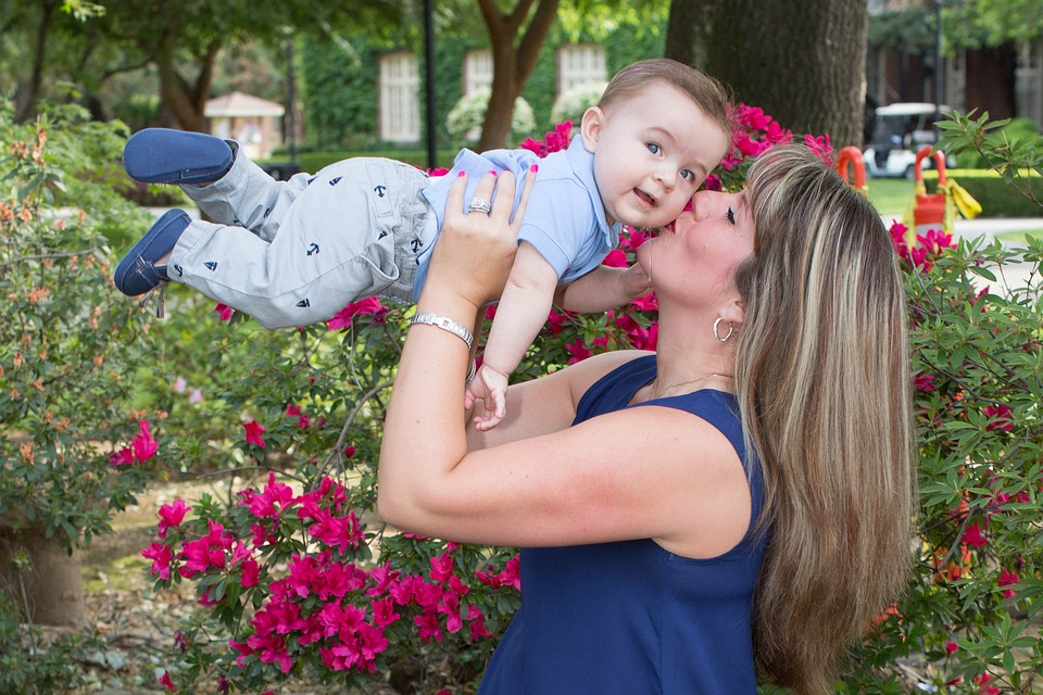 Помощь государства матерям-одиночкам