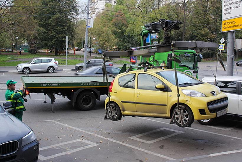 В Калининграде мужчина нанял эвакуатор, чтобы угнать автомобиль