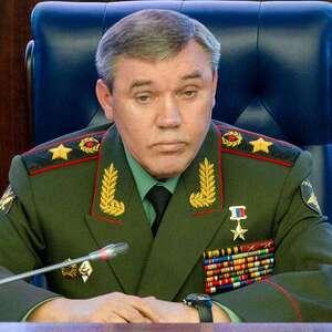 Генштаб РФ рассказал о разработке США стратегии цветных революций с использованием оружия