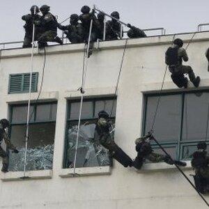 В Новосибирской области ФСБ штурмом взял отдел МВД