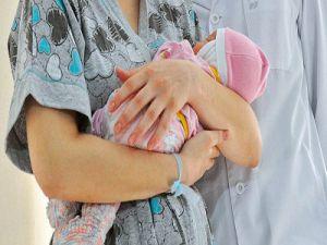 Не состояла на учете до родов. Врачи спасли женщину, не знавшую срок своей беременности.