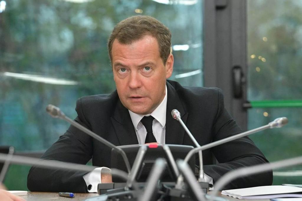 Депутаты Госдумы начали критиковать правительство Медведева