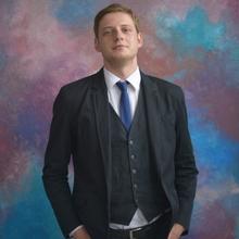 Сотрудник юридического отдела Шамаев Андрей Петрович, г. Смоленск