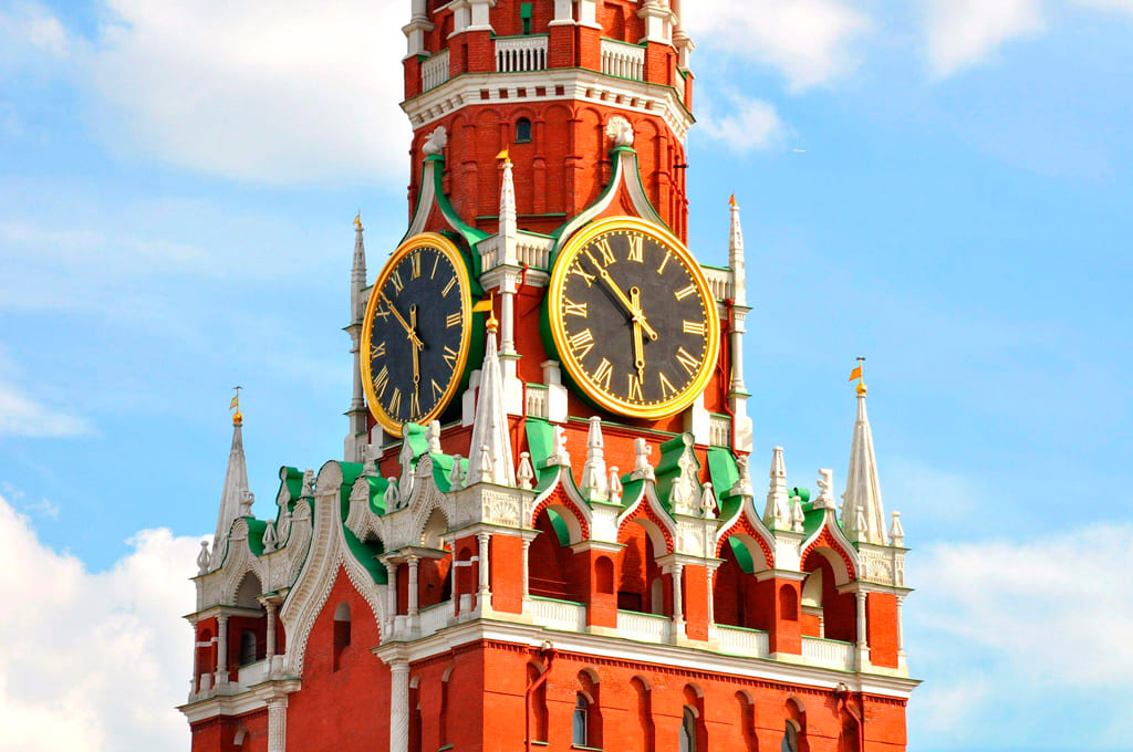 Россиян обеспечат 200 часами дополнительного светлого времени суток