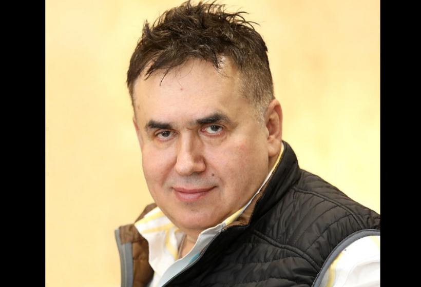Актер Садальский предложил отменить время в России