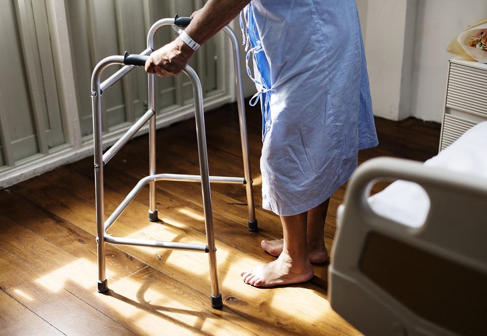 Внеочередной прием при посещении  поликлиники – посещение по талонам