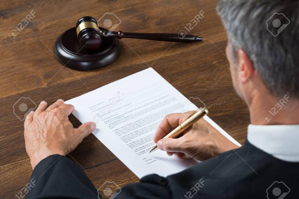 Бывший судья саратовского областного суда приговорен к шести годам колонии