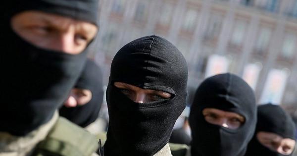 Украинские националисты подожгли отделение российского банка