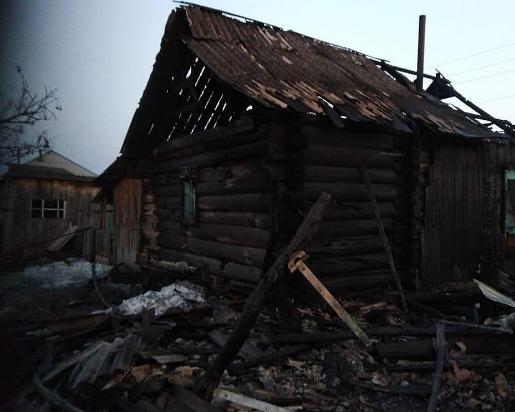 Сгорела семья из четырех человек