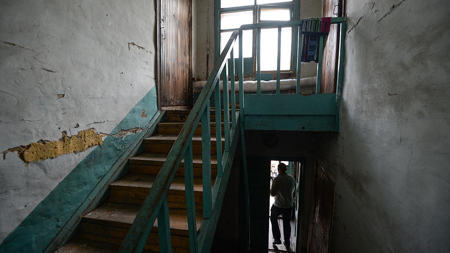Аварийные метры: из непригодного жилья переселят полмиллиона человек