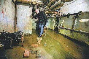 Как в Ростове УК довела многоквартирный дом до разрухи
