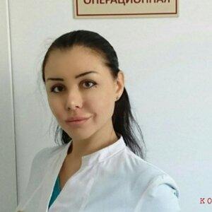 В Краснодаре пластический хирург без диплома изуродовала десять пациенток.