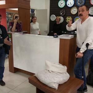 65 кг денег: хозяин магазина в Магнитогорске вернул покупателю 67 тысяч рублей мелочью