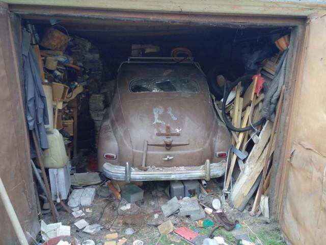 Чиновники:Чтобы нам такого, сделать ещё плохого...? Кто делает отверстия в стенах гаражей?
