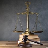 Суд оштрафовал работодателя за прием на работу бывшего служащего без согласия его бывшего нанимателя