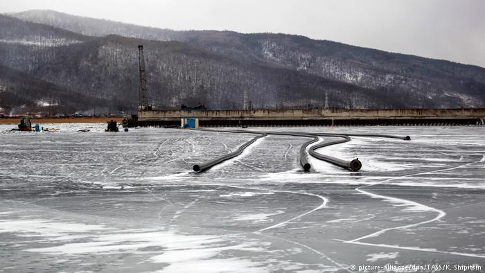 Китайцев заставят демонтировать завод по розливу воды на Байкале