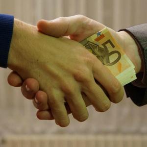 Как правильно купить долг и взыскать его?