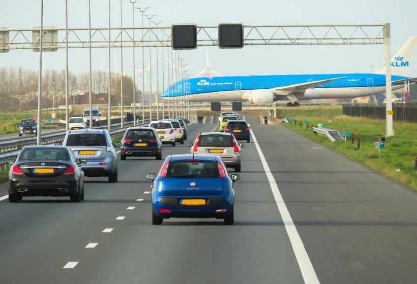 В России предложили сузить левую полосу на дорогах