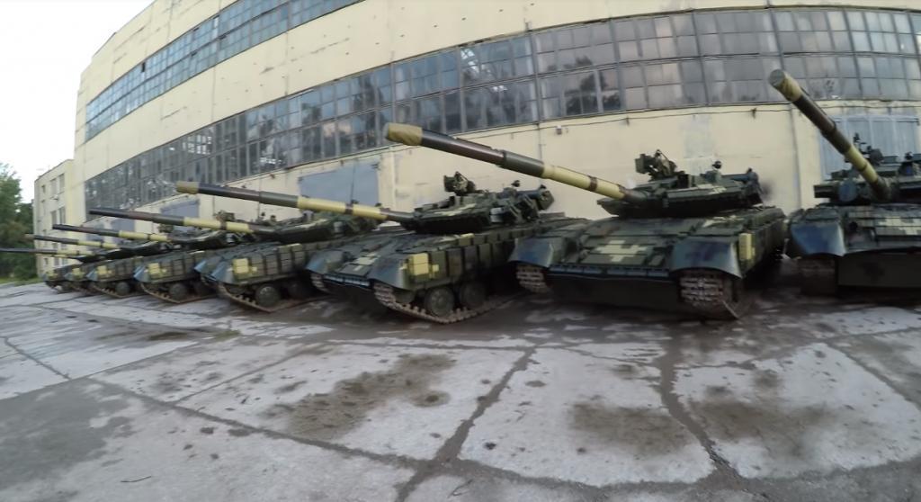 Франция собралась отправить к российским границам танки