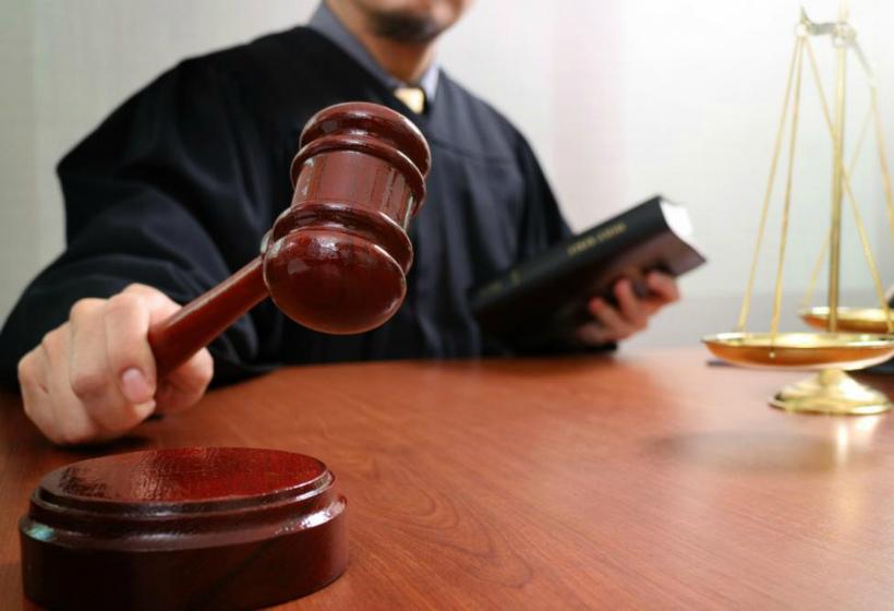 Можно ли выбрать судью? На какие хитрости идут юристы и чем опасно ходатайство об отводе судьи?