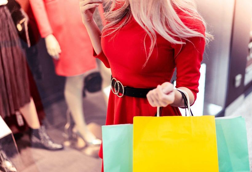«Одежда и обувь по смешным ценам». Пустая трата денег или возможность сэкономить?