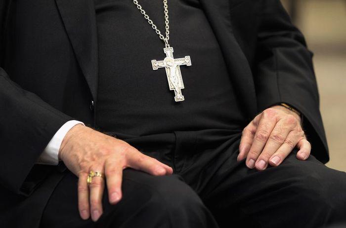 Священники-педофилы: реальные истории и страшные факты . Чтобы бороться - надо знать !